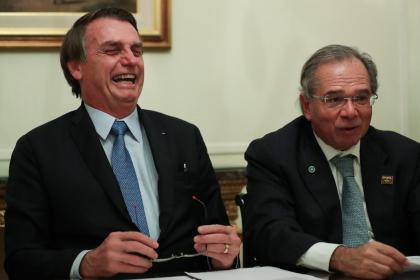 Guedes quer reduzir para R$200,00 auxílio em agosto e condenar milhões à miséria