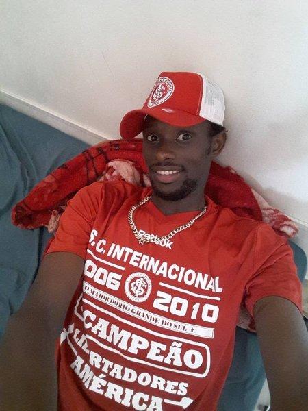 Torcedor Senegalês sofre agressão racista de seguranças do Inter no Beira-Rio