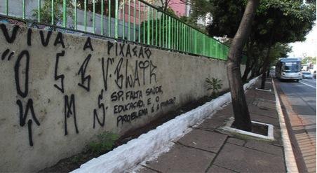 Em defesa da arte de rua, nova pichação na 23 de Maio em São Paulo