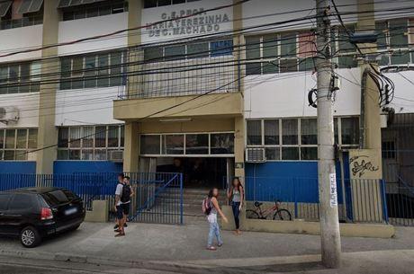 Uma semana após volta presencial, escola estadual suspende aulas depois de caso de Covid