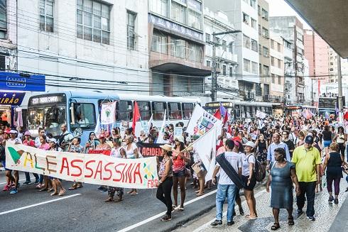 Centenas de mulheres ocuparam as ruas do Espírito Santo neste 8 de março