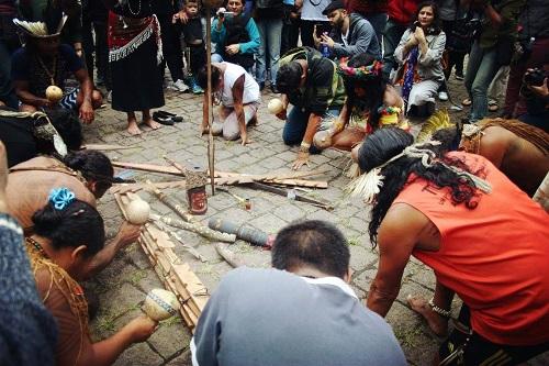 Indígenas fecham Avenida Paulista em ato pela demarcação de terras