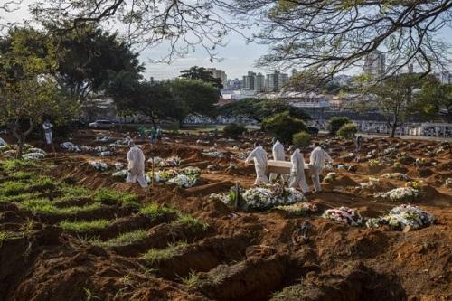 Brasil ultrapassa a marca de 160 mil mortes por Covid-19