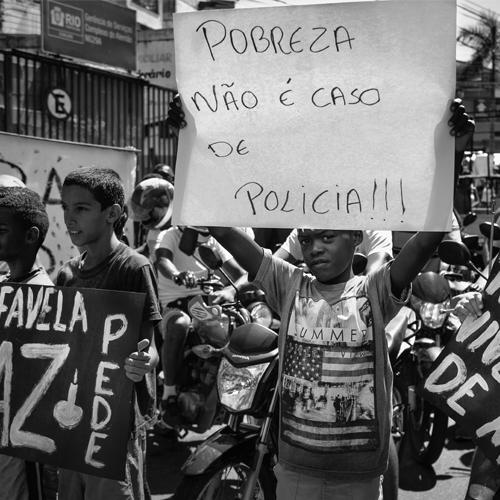 Capitalismo: negro tem o dobro de chance de ser pobre no Brasil