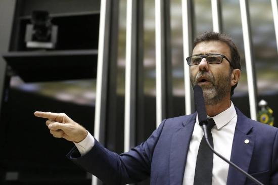 """Apostando na armadilha do """"mal menor"""", Freixo defende voto crítico em Eduardo Paes no RJ"""