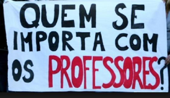Professores de SP relatam a situação que estão há 4 meses sem salários