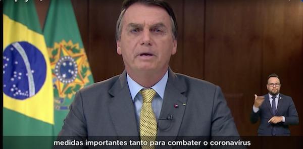 #BolsonaroGenocida mente em pronunciamento para se isentar das 300 mil mortes