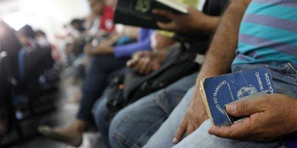 O desemprego bate à porta: 40,9 mil vagas de emprego fechadas em Janeiro no Brasil