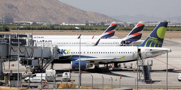 Demissões, suspensões, falta de equipamentos e corte salarial. Onde estão os sindicatos aeroviários?