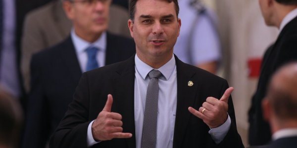 MP pede que Flávio Bolsonaro perca seu cargo se for condenado pelas rachadinhas