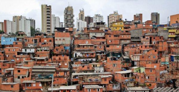 ABSURDO: Moradores da Cidade Tiradentes ficam sem água em meio a pandemia