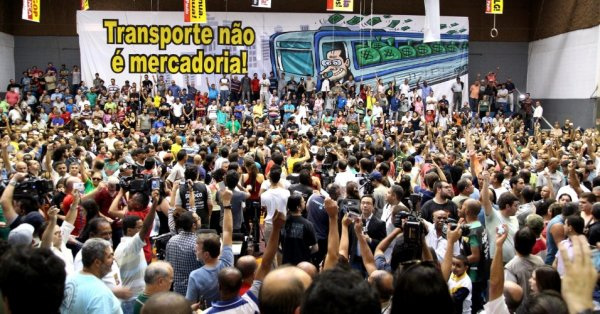 70 metroviários de SP assinam manifesto em defesa dos direitos e contra a prisão de Lula