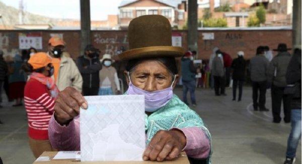 Eleições na Bolívia: boca de urna dá vitória ao MAS no primeiro turno com 52,4%