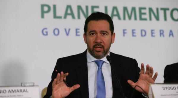 Ministro do Planejamento assegura que pífio reajuste do salário mínimo não será revisado