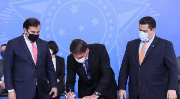 BPC: Bolsonaro e Congresso se negam a ajudar idosos e deficientes vetando aumento da renda mínima