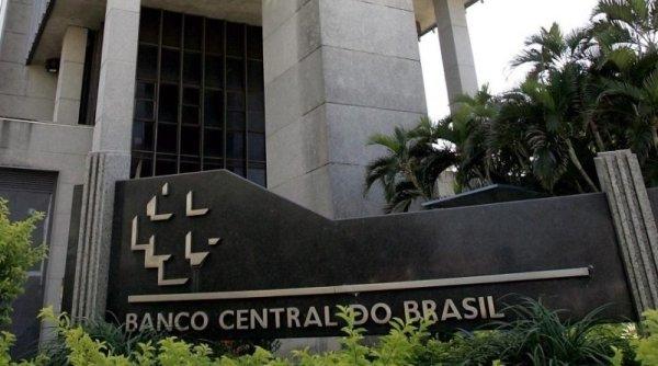 BC anunciou R$1,2 trilhão para socorrer os bancos enquanto faltam testes, leitos e respiradores