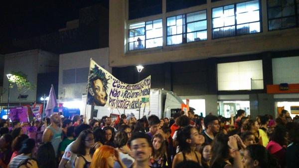 Cerca de 1,5 mil pessoas tomam as ruas de Campinas nesse 8M