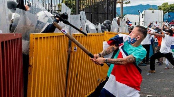 Rebelião em massa na Costa Rica derrota ataques do governo e do Fundo Monetário Internacional