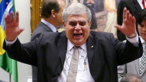 Marun compra votos para Reforma da Previdência fazendo chantagem com empréstimo na Caixa
