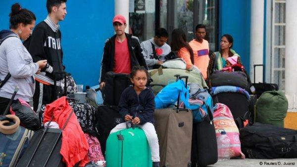 Venezuelanos tem barracas queimadas por grupos xenófobos, respaldados por Temer