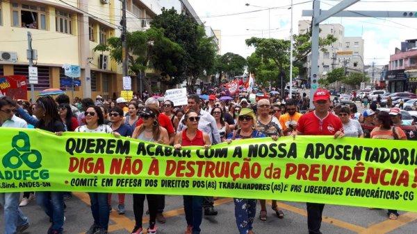 Dois mil trabalhadores (as) ocupam as ruas de Campina Grande (PB) no 22 M na jornada nacional de lutas