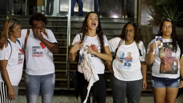 "Marcia: ""Aqui no Rio, o governador implementa terrorismo e abate"""