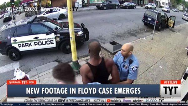 Novo vídeo expõe farsa da polícia sobre caso Floyd, George foi assassinado sem resistência