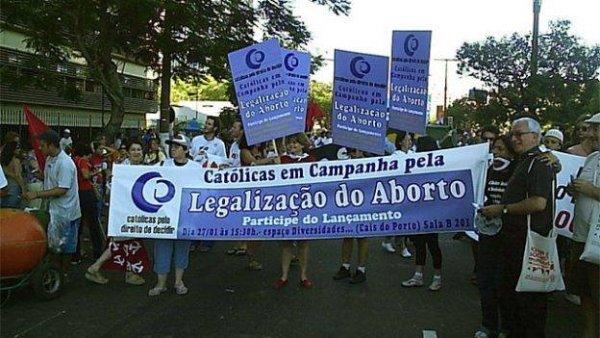 Diana Assunção repudia censura do judiciário ao nome da ONG Católicas pelo Direito de Decidir