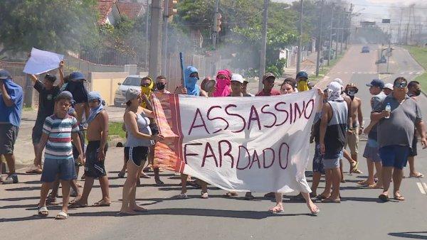 Polícia mata trabalhadora negra dentro de sua casa em Porto Alegre e dezenas protestam
