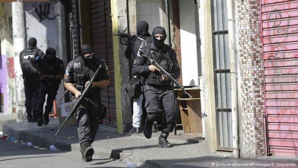 Mega operação policial no Alemão e na Penha: Moradores entre a pandemia, o medo e a morte