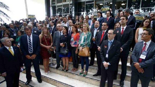 Fim de auxílio-moradia a juízes geraria economia de R$ 1,6 BI aos cofres públicos