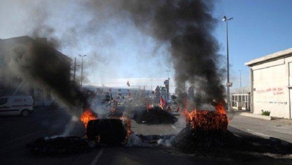 França: avança e se radicaliza greve após anúncio da Reforma da Previdência