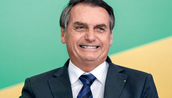 Bolsonaro proíbe mencionar Renda Brasil até 2022