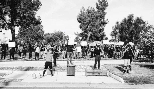 Contra a aliança com o Partido Democrata, um setor do BLM Califórnia rompe com a rede global