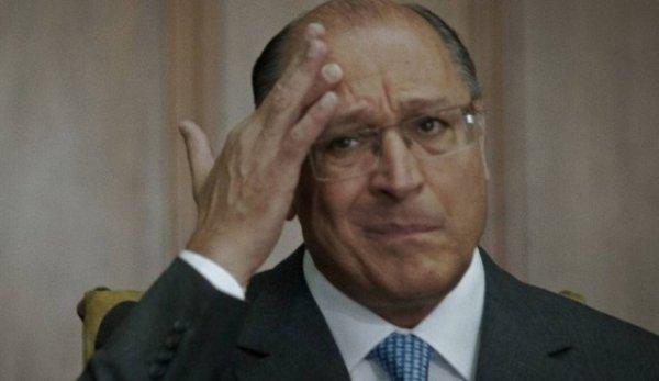 Alckmin expõe sua hipocrisia e passa vergonha na internet