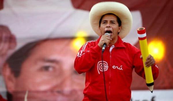 Pedro Castillo é declarado presidente do Peru após ser eleito mais de 1 mês atrás