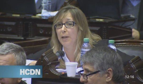 Myriam Bregman requisitou ao Congresso argentino que se pronuncie contra o golpe no Brasil