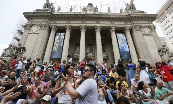 Desconto de sindicato fantasma causa revolta entre servidores do Rio de Janeiro