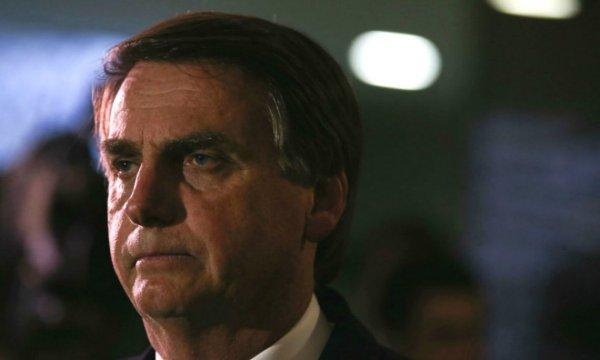 Bolsonaro ataca professores, enquanto estudo revela que Brasil tem menor avaliação da categoria