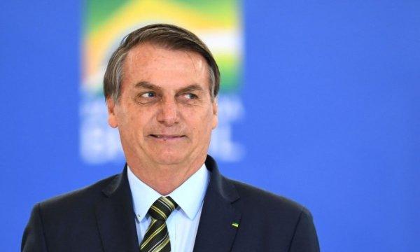 Bolsonaro ignora perguntas sobre o apagão no Amapá decorrente a privatização da energia