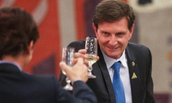 Prefeito Crivella do Rio aumenta tarifa a R$3,95 para favorecer ainda mais empresários dos transportes