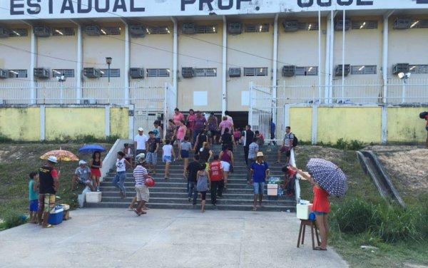 Amazonas registra 342 professores com Covid-19 após volta às aulas sem prevenção adequada