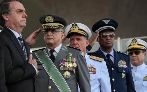 """Em mais uma declaração golpista, Bolsonaro fala de """"problemas sociais"""" com eleição em 2022"""