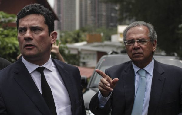 """""""Recompensa"""" do golpista Sérgio Moro já estava acertada há tempos, revela General Mourão"""