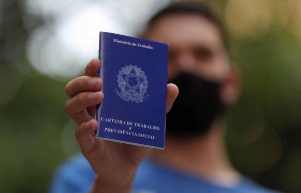 Brasil bate recorde e chega a quase 15 milhões de pessoas desempregadas, segundo IBGE