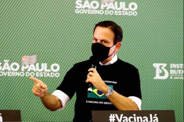 Doria retira quilombolas da fase inicial da vacinação