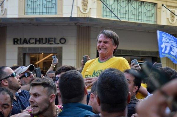 TSE exige que Twitter passe dados de quem comemorou a agressão a Bolsonaro