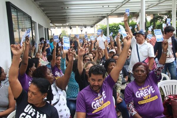 Toda a solidariedade a greve dos trabalhadores da UFF, não a imposição da Reitoria e do TCU!