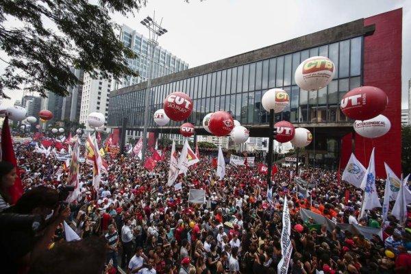PT e centrais sindicais: uma estratégia que organiza a derrota diante da reforma de Bolsonaro