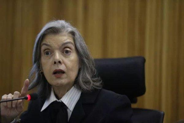 Carmen Lúcia intervém autoritariamente na questão da contribuição sindical